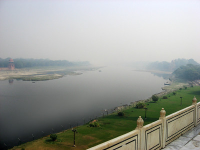 The view on the back of Taj Mahal