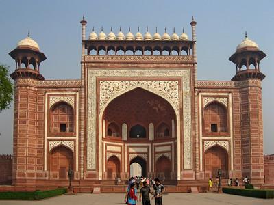 The entrance to Taj Mahal