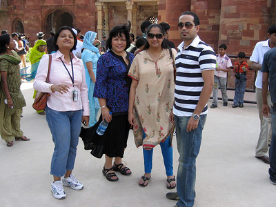 Mili Mitra, Grace, Gaya, and Rafi Ahmad in Qutub Minar