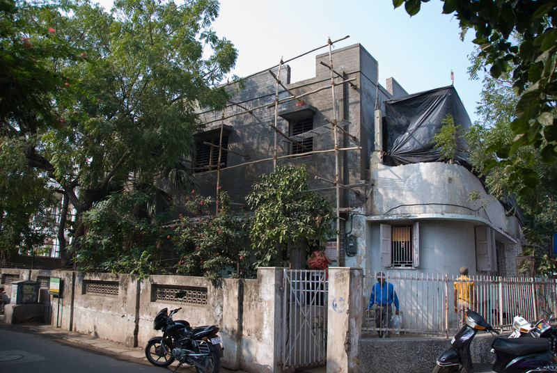Dadaji's house in Ahmedabad. Vinodmama still has his clinic in the front part.