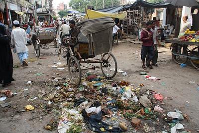 garbage in Varanasi