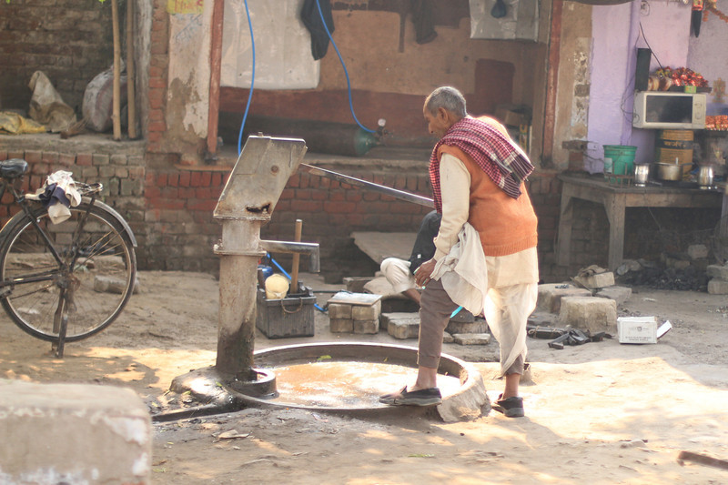 Trip to Agra - Local water pump