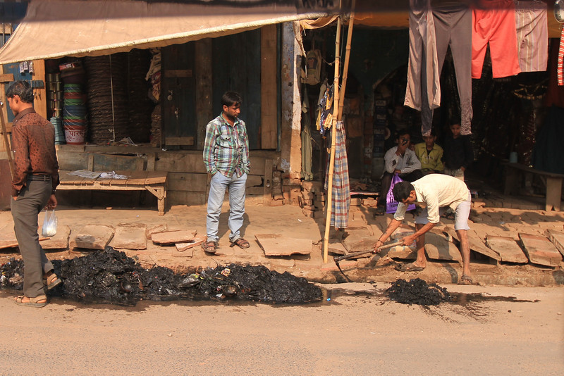 Trip to Agra - cleaning the street sewers