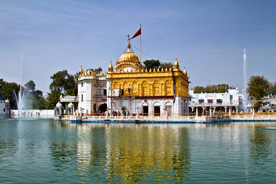 Hindu temple Amritsar - obviously echoing the Golden Temple
