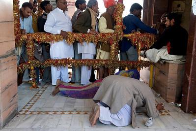 Prayers in Mansa Devi temple, Haridwar.