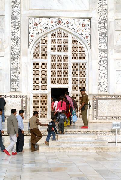 Main entrance to the tomb at Taj Mahal.