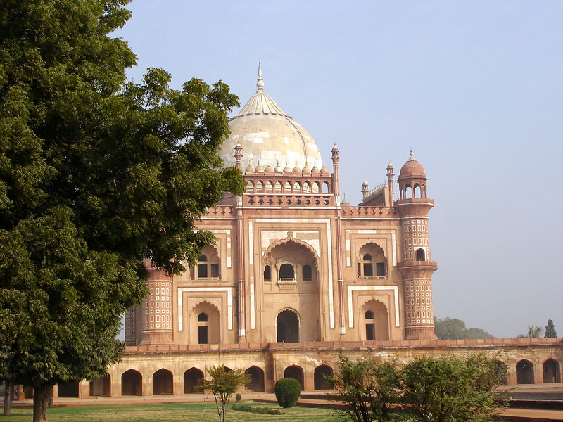 Here is a view from the right side. Similar to the Taj Mahal, each side reflects perfect symmetry.