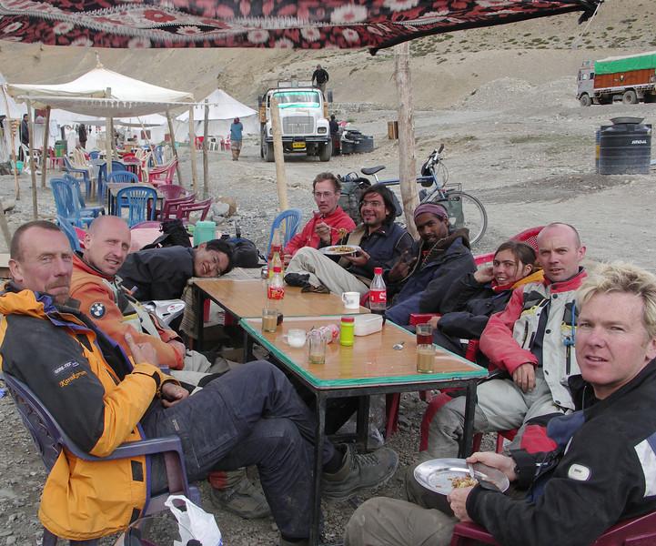 Tim, Danny, Hashimoto, Dutch cyclist, Alberto, SA dude & Swiss girlfriend, Adam, Steve. Pang