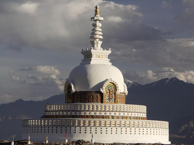 Japanese Shanti Stupa, Leh
