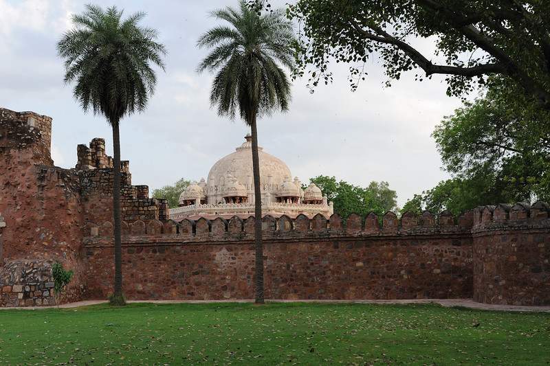 Humayun's tomb is a complex of buildings in Mughal architecture built as Mughal Emperor Humayun's tomb. It is located in Nizamuddin East, Delhi.<br /> In time of Slave Dynasty this land was under the KiloKheri Fort which was capital of Sultan Kequbad son of Nasiruddin (1268-1287). It encompasses the main tomb of the Emperor Humayun as well as numerous others. The complex is a World Heritage Site and the first example of this type of Mughal architecture in India.<br /> The architecture of the mausoleum is similar to Taj Mahal.