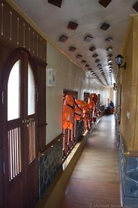 corridor inside the houseboat