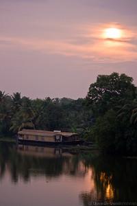 sunset from thakazhi bridge
