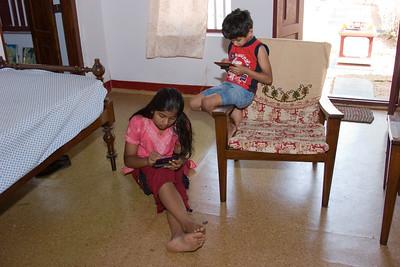 Girish and Jennifer arrive at Ravimangalam, Jan 19 2009