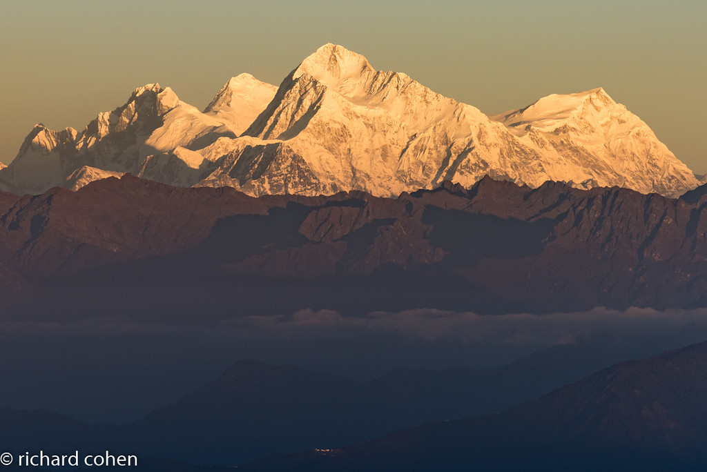 Good view of Everest group at sunrise. Llotse, Everest, Makalu. The one on the far right isn't in top 10 peaks, but still plenty big!