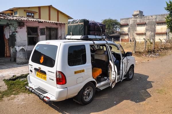 Navsari to Mumbai by Taxi