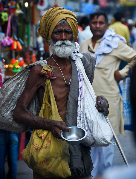 Dignified looking beggar on the streets of Haridwar