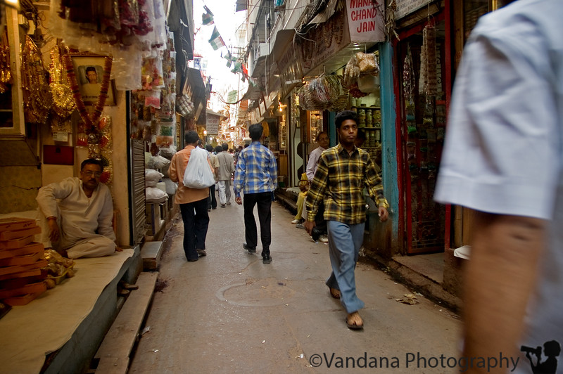 thru the narrow alleys of Chandi Chowk