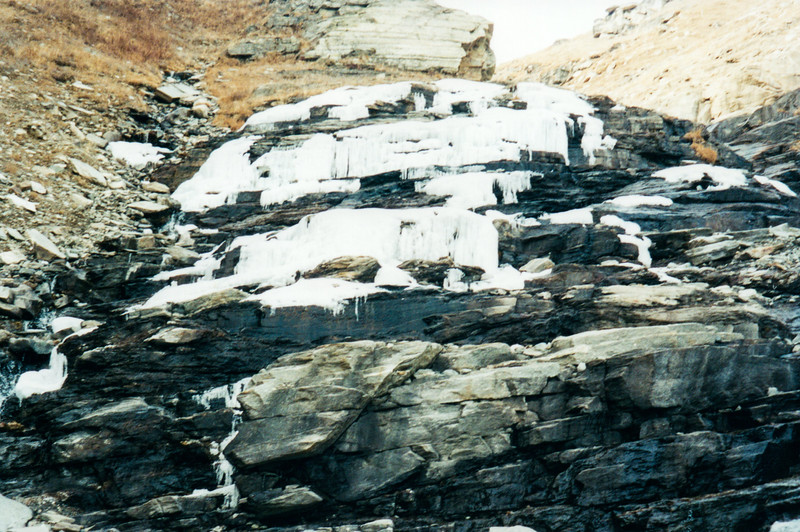 Frozen Waterfall on the way to At Rohtang Pass