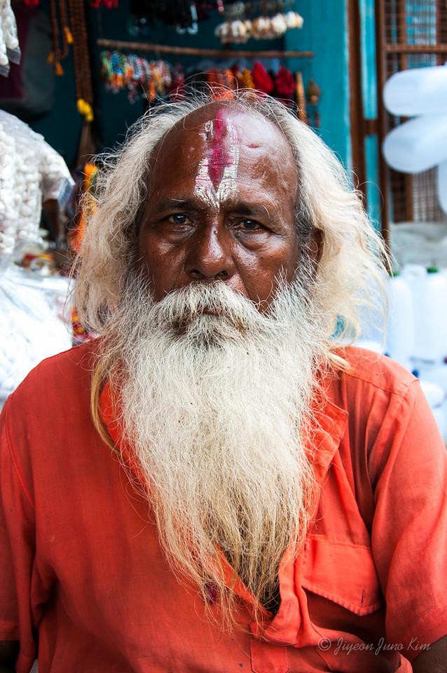 A hindu pigrim at Dashashwamedh Ghat