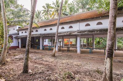 Community center - set udefra