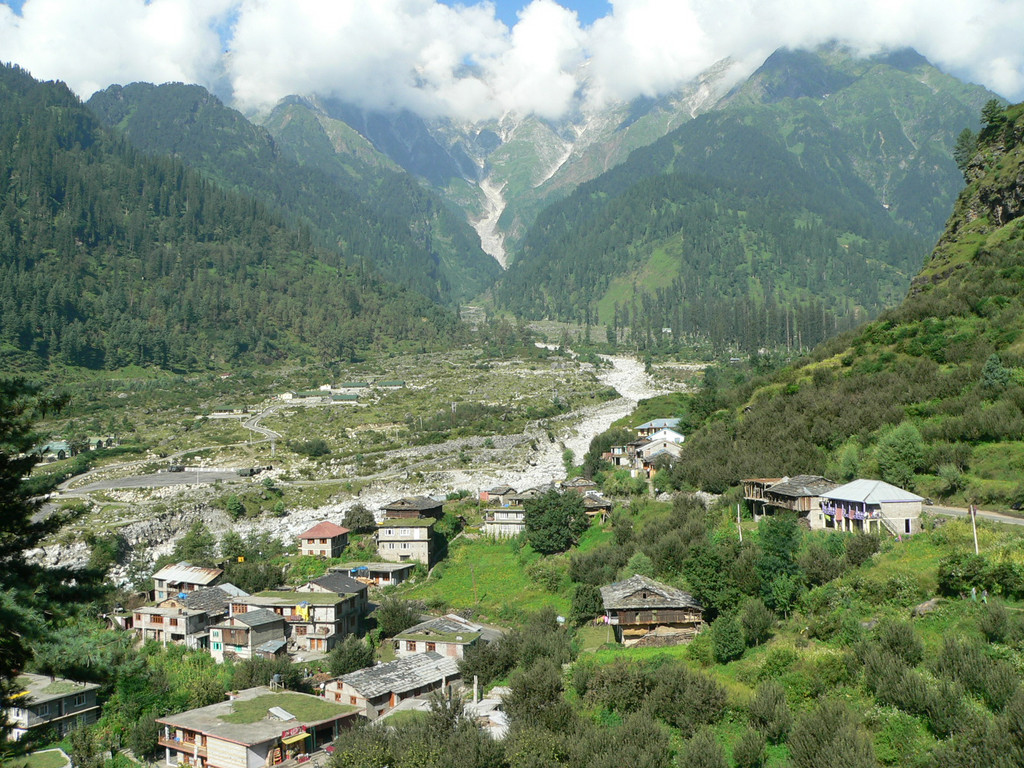 View of Manali valley with the Beas river running through it.