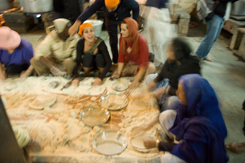 Rollin chapatis at the Sikh temple in Delhi
