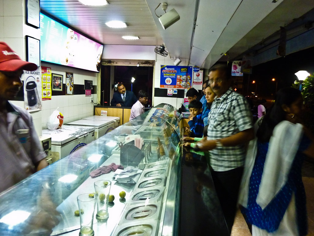 Havmor icecream below resturant