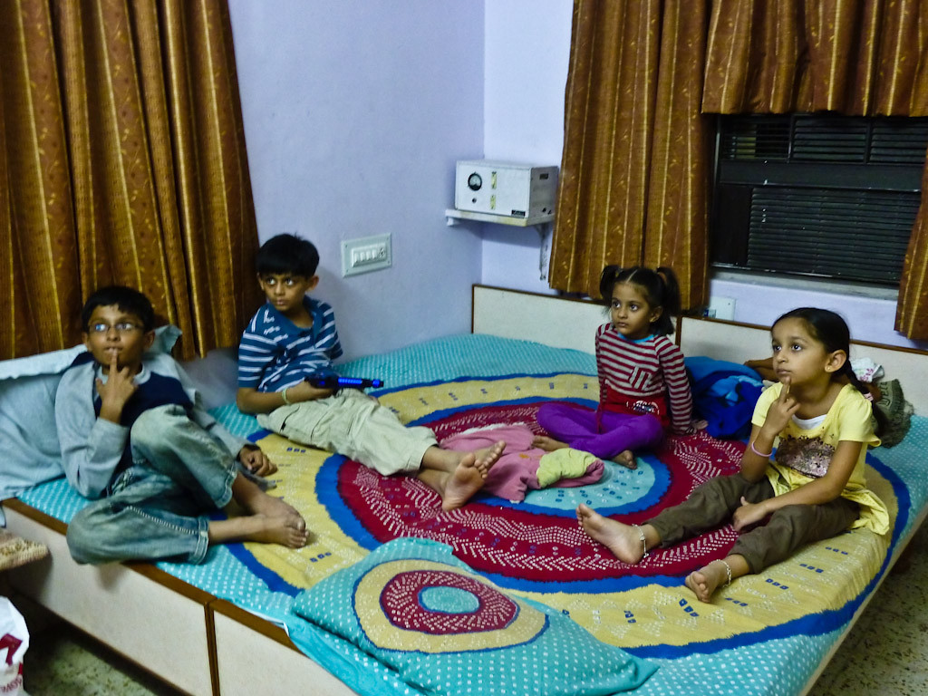 Shrutav, Neel, Arvaa, Jiya glued to 'Alvan and the Chipmunks'