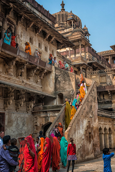 Women pilgrims touring the City Palace in Orchha.