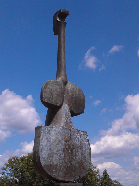 """""""Violin Woman"""" sculpture by Harold R. Langland  - South Bend, IN"""