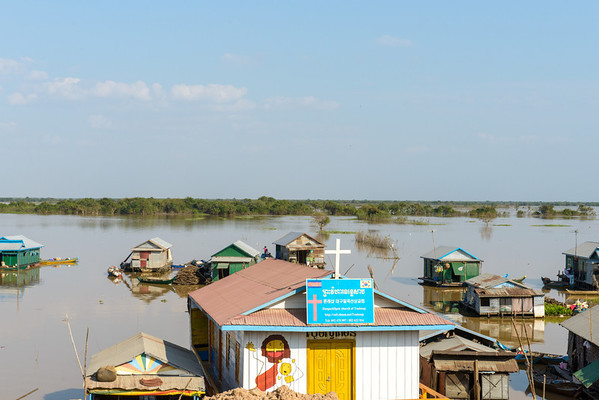 The floating villages on the huge lake, Tonle Sap.