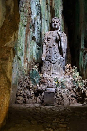 Buddha figure carved into the cave on Marble Mountain.