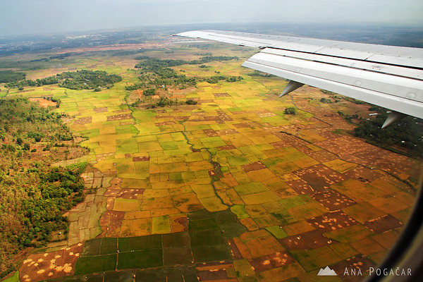 Flying into Makassar