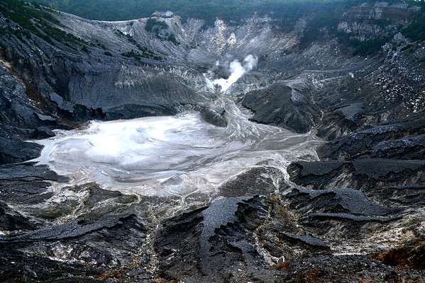 Looking down into it's largest crater, 'Kawah Ratu' (or 'Queen's Crater')