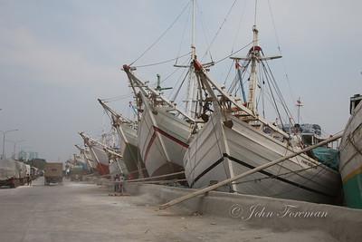 Pinisi boats in Sunda Kelapa harbour