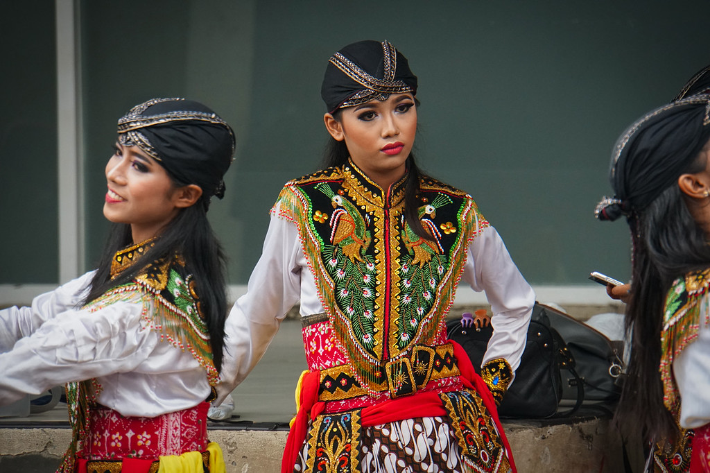 Surabaya Welcome Women Dancers