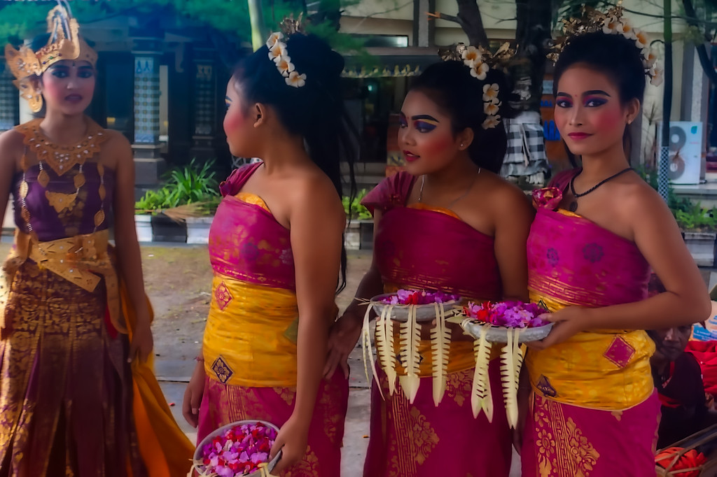 Bali Welcome Dancers