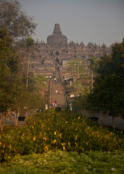 My first glimpse of the fantastic Borobudur temple.