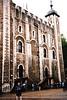 En 1078 Guillermo el Conquistador ordenó la construcción de la Torre Blanca, tanto para proteger a los normandos de la población de Londres como para proteger Londres de cualquier enemigo.