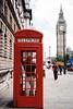 En una cabina llamando a España junto a la Torre del Big Ben