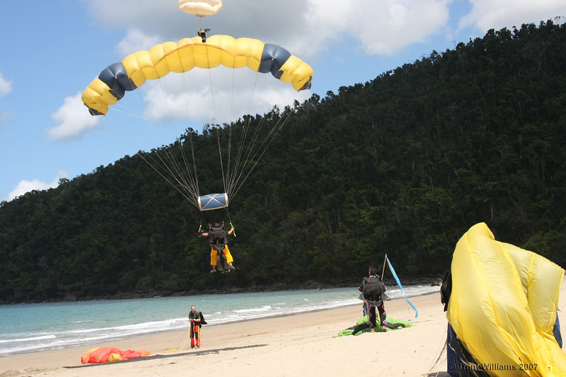 Skydivers over Etty Bay.