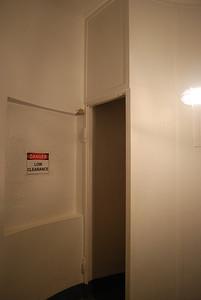Exit to third level