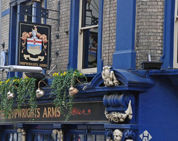 A pub near the London Dungeon.