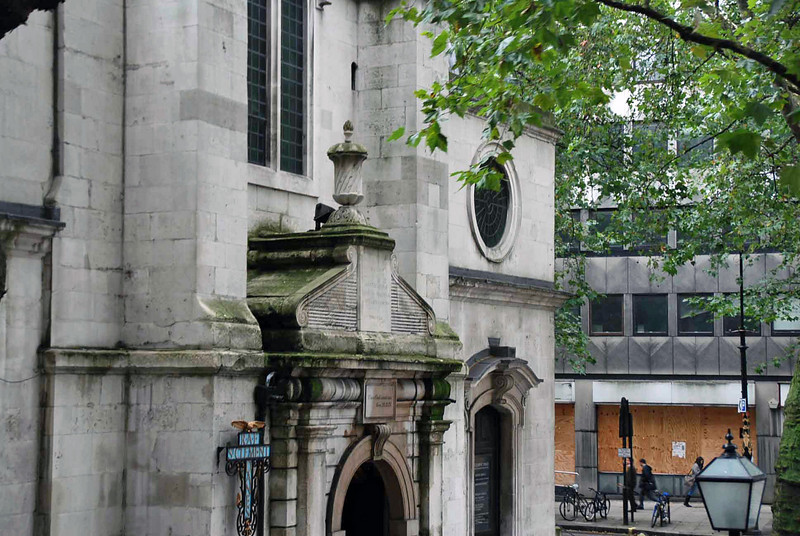 Detail of St. Clement Danes Church built in 1682.