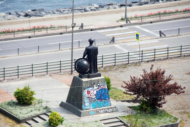 Statue of Ataturk, founder of modern Turkey between the Topkapi Palace and Bosporus Strait