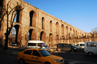 ISTANBUL - Perhaps nothing better typified Roman engineering than the aqueduct. Even though old Constantinople was surrounded on three sides by water, the city relied on some of the world's longest aqueducts for its water.  The Valens Aqueduct - just a few blocks from our hotel - brought water into the city from 373 AD until the late 19th century.