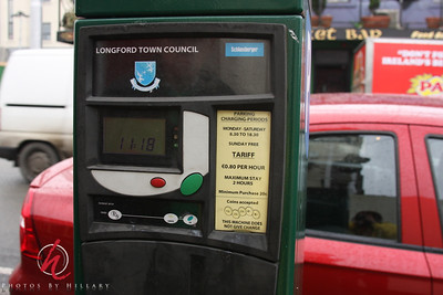 """""""Pay and Display"""" the parking meter for the street."""