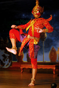 As with previous dance performances in Vietnam and Southeast Asia, we didn't understand many of the plots, but there were obviously dastardly villains and ogres.