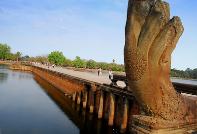 Once great caravans of elephants paraded four-abreast down the sandstone blocks of this walkway.  To the ancient Hindus, the walk symbolized a journey across the oceans, the first leg of a pilgrimage toward the sacred center of their universe.