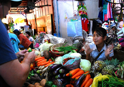 ...along with young vendors and American tourists who haven't quite figured out how to convert U.S. dollars into Cambodian riel  (we bought 3 limes for a dollar - should have been closer to 13 limes for that price).